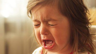 Anadilinde ağlayabilirsin yavrum…