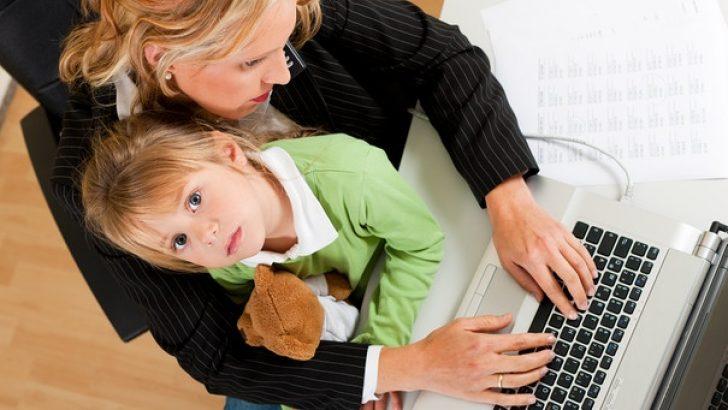 Çocuk ile kariyer arasında sıkışan anneler
