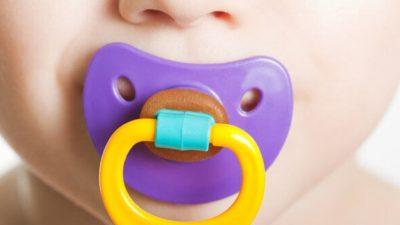 Emzik çocuğun konuşmasını engelliyor