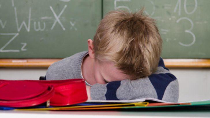 Okula giden çocuklar gece en az 9 saat uyumalı