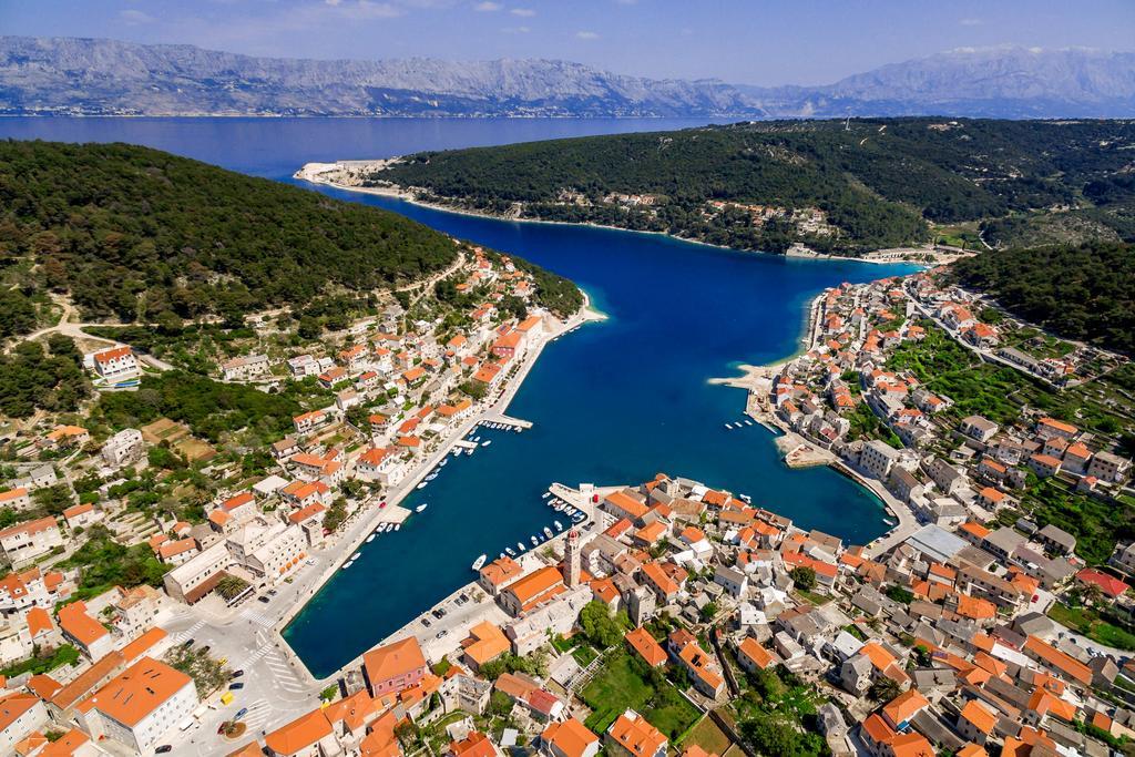 Pucisca Hirvatistan - Başkentlerinden Daha Güzel Avrupa Kasabaları Bilgi ve Haber