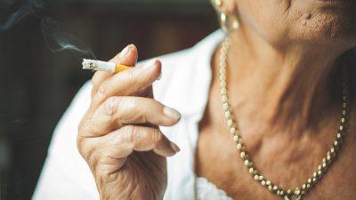 Sigara İçmek Erken Yaşlanmaya Sebep Oluyor