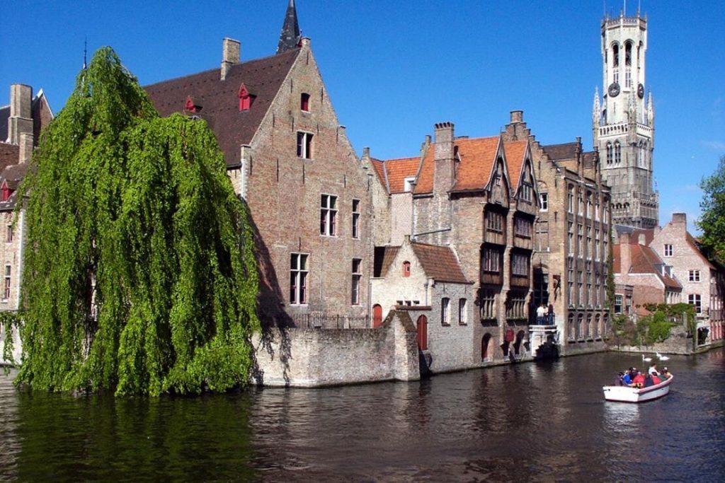 brugge 1024x683 - Başkentlerinden Daha Güzel Avrupa Kasabaları Bilgi ve Haber