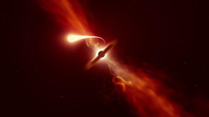 Kara deliğe düşen yıldızın son anları görüntülendi