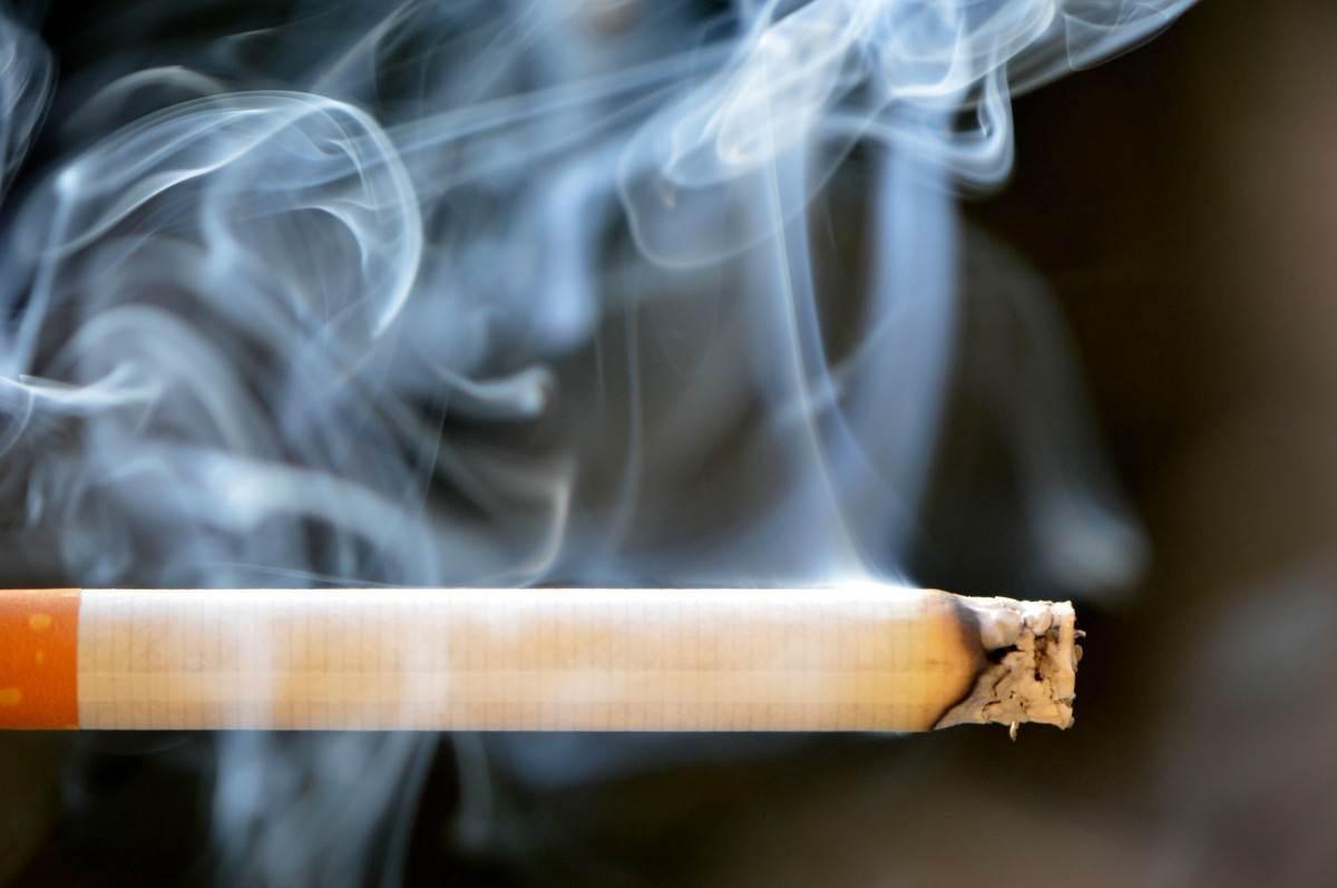 Sigara Kokusu Nasıl Çıkar?