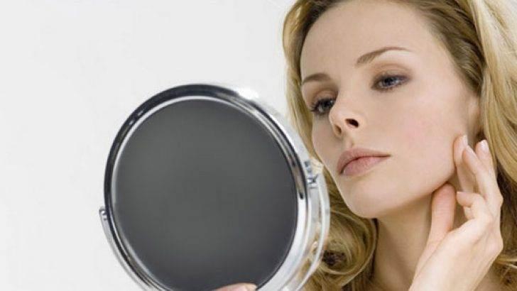 Vaktinin Çoğunu Ayna Karşısında Geçirenlere Dikkat