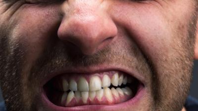 Korktuğumuzda Dişlerimiz Neden Birbirine Vurur